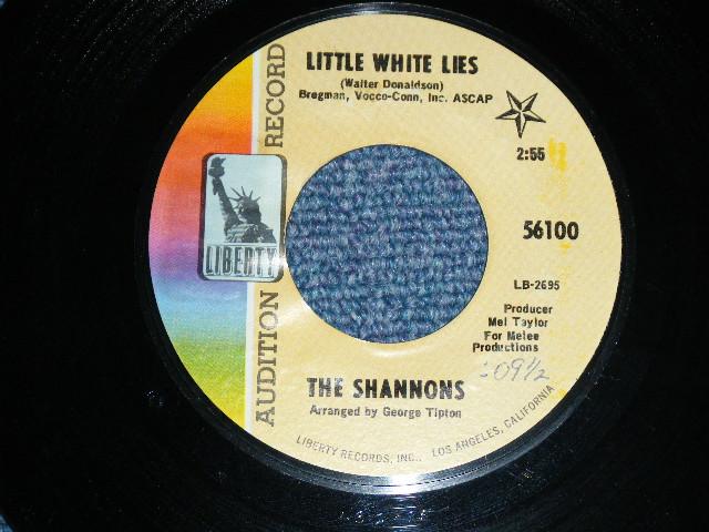 """画像1: THE SHANNONS ( GIRL GROUP PRODUCED by MEL TAYLOR of The VENTURES ) - LITTLE WHITE LIE / ARE YOU SINCERE ( SMALL SIZE FATS TITLE LOGO  )   1968  US ORIGINAL 7""""SINGLE"""