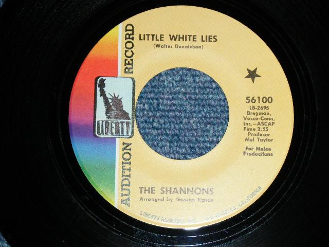 """画像1: THE SHANNONS ( GIRL GROUP PRODUCED by MEL TAYLOR of The VENTURES ) - LITTLE WHITE LIE / ARE YOU SINCERE ( SMALL SIZE THIN TITLE LOGO  )   1968  US ORIGINAL 7""""SINGLE"""