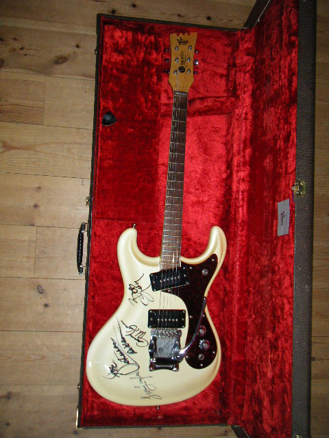 画像1: MOSRITE モスライト 1965 PEARL WHITE Owned by DON WILSON of The VENTURES With ORIGINAL HARD CASE
