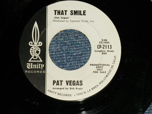 """画像1: PAT VEGAS ( Arranged  by BOB BOGLE of THE VENTURES ) - THAT SMILE / THE BEST GIRL IN THE WORLD : 1964? US AMERICA ORIGINAL """"WHITE LABEL PROMO"""" Used 7""""Single"""