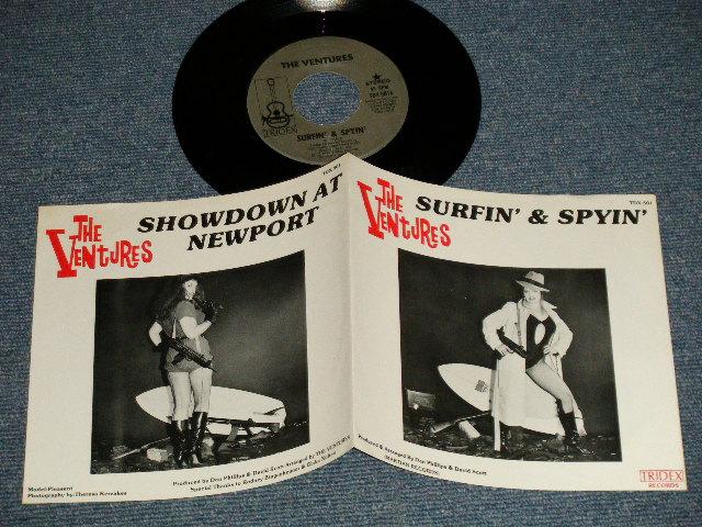 画像1: A) SURFIN' & SPYIN' B) SHOWDOWN AT NEWPORT   :  1981 US AMERICA ORIGINAL