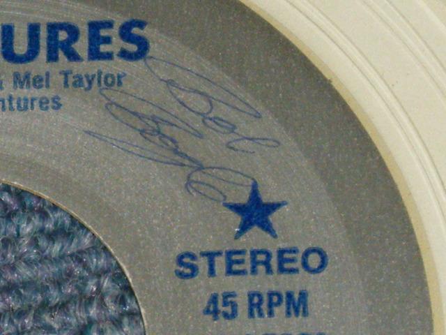 """画像1: A) VENTURES 25 B) BLUE DOWN  with """"BOB BOGLE"""" Autographed Singed :  1981 US AMERICA ORIGINAL """"CRYSTAL CLEAR WAX"""""""