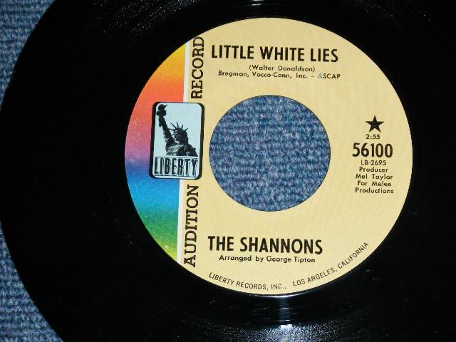"""画像1: THE SHANNONS ( GIRL GROUP PRODUCED by MEL TAYLOR of The VENTURES ) - LITTLE WHITE LIE / ARE YOU SINCERE ( BIG SIZE TITLE LOGO  )   1968  US ORIGINAL 7""""SINGLE"""